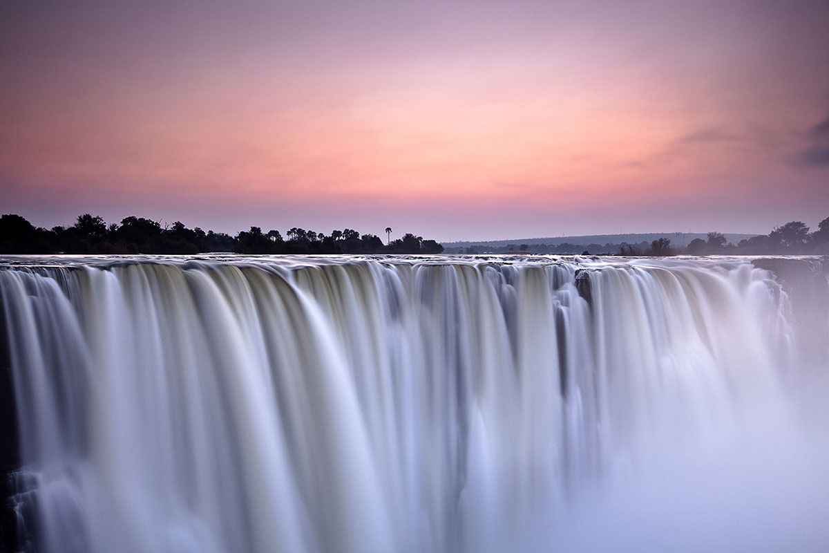 Early Worm – 2 Night Victoria Falls Cruise Add-on